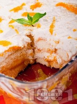 Бърза новогодишна лимонова торта с бишкоти, праскови (от компот) и крем от извара (или рикота) и сирене маскарпоне за десерт - снимка на рецептата